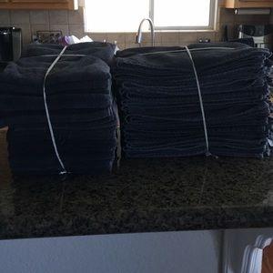Used bleach safe salon towels